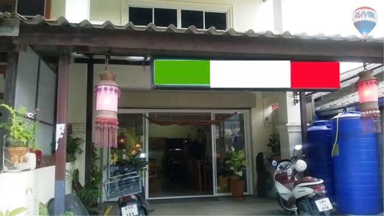 RE/MAX Top Properties Agency's Restaurant with 2 rooms For Sale Kamala 1