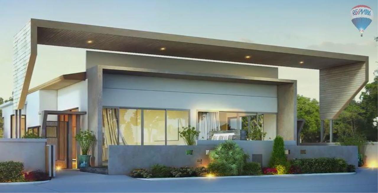 RE/MAX Top Properties Agency's Spacious Luxury private Pool Villas Resort 2 bedroom in Chalong 2