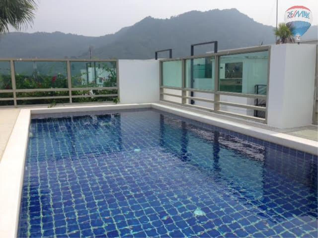 RE/MAX Top Properties Agency's 2 Bedrooms Penthouse In Kamala 8