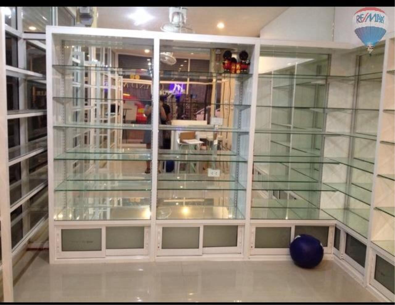 RE/MAX Top Properties Agency's Patong Pharmacy shop for lease 1