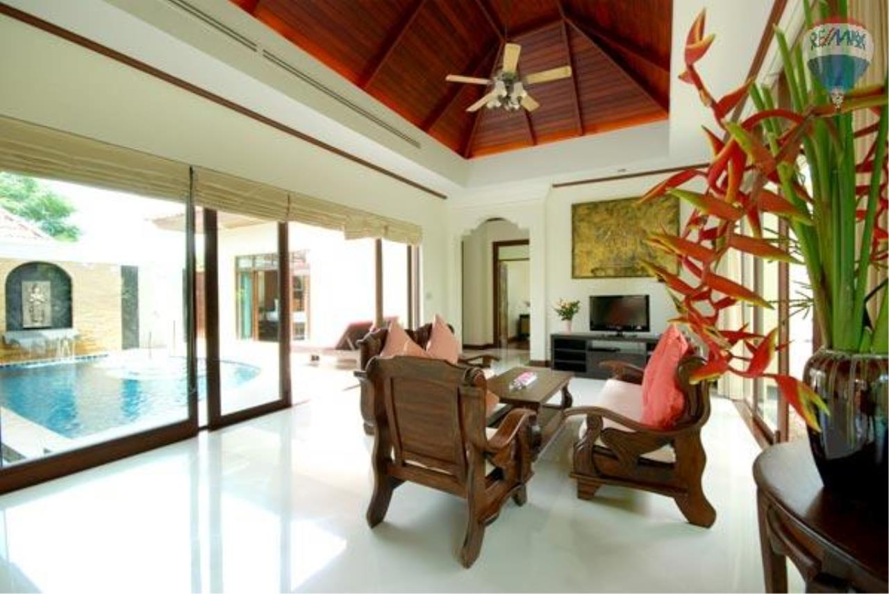 RE/MAX Top Properties Agency's 2 Bedrooms Private pool Villa For rent in Chergtalay 8