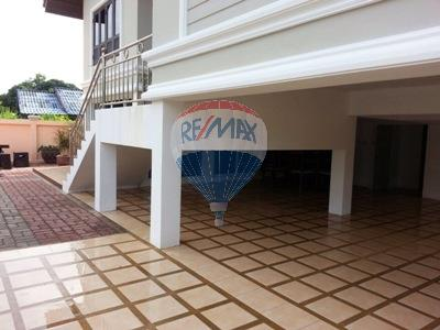 RE/MAX Top Properties Agency's 2 Storey house 3 bedrooms with spacious yard in Koh Samui 3
