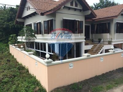 RE/MAX Top Properties Agency's 2 Storey house 3 bedrooms with spacious yard in Koh Samui 8