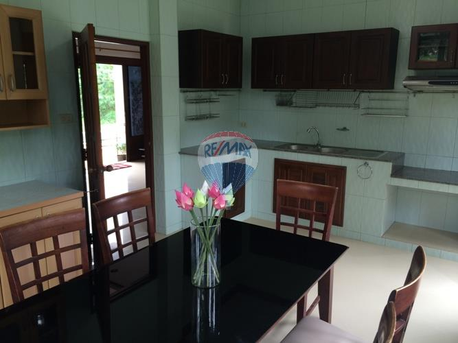 RE/MAX Top Properties Agency's 2 Storey house 3 bedrooms with spacious yard in Koh Samui 9
