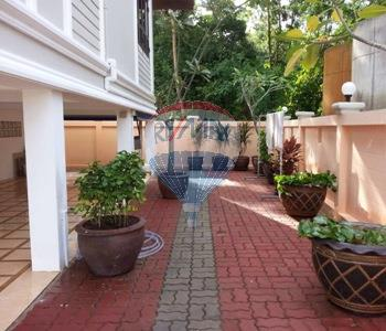RE/MAX Top Properties Agency's 2 Storey house 3 bedrooms with spacious yard in Koh Samui 2