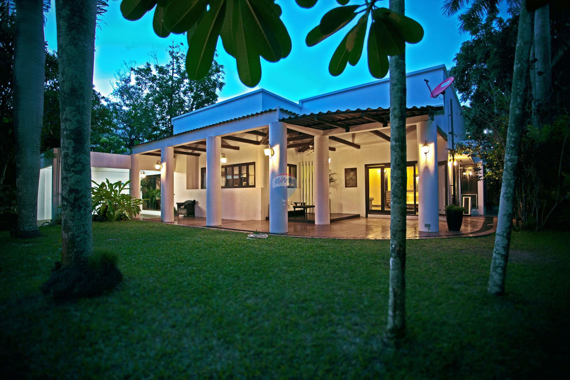 RE/MAX Top Properties Agency's Luxury Single house with private pool in Makham Bay-Chalong 1