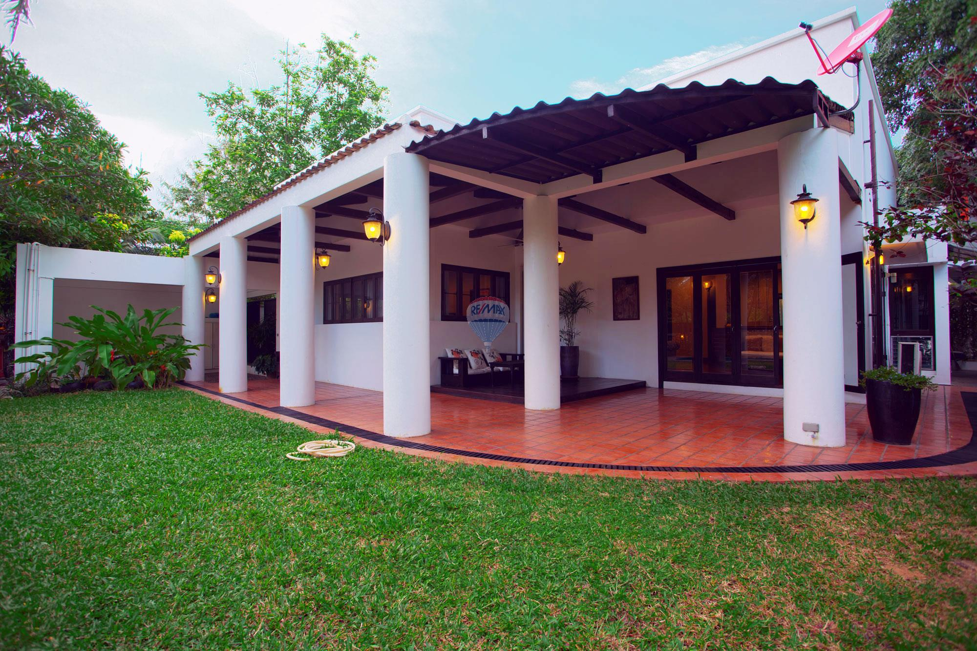 RE/MAX Top Properties Agency's Luxury Single house with private pool in Makham Bay-Chalong 2