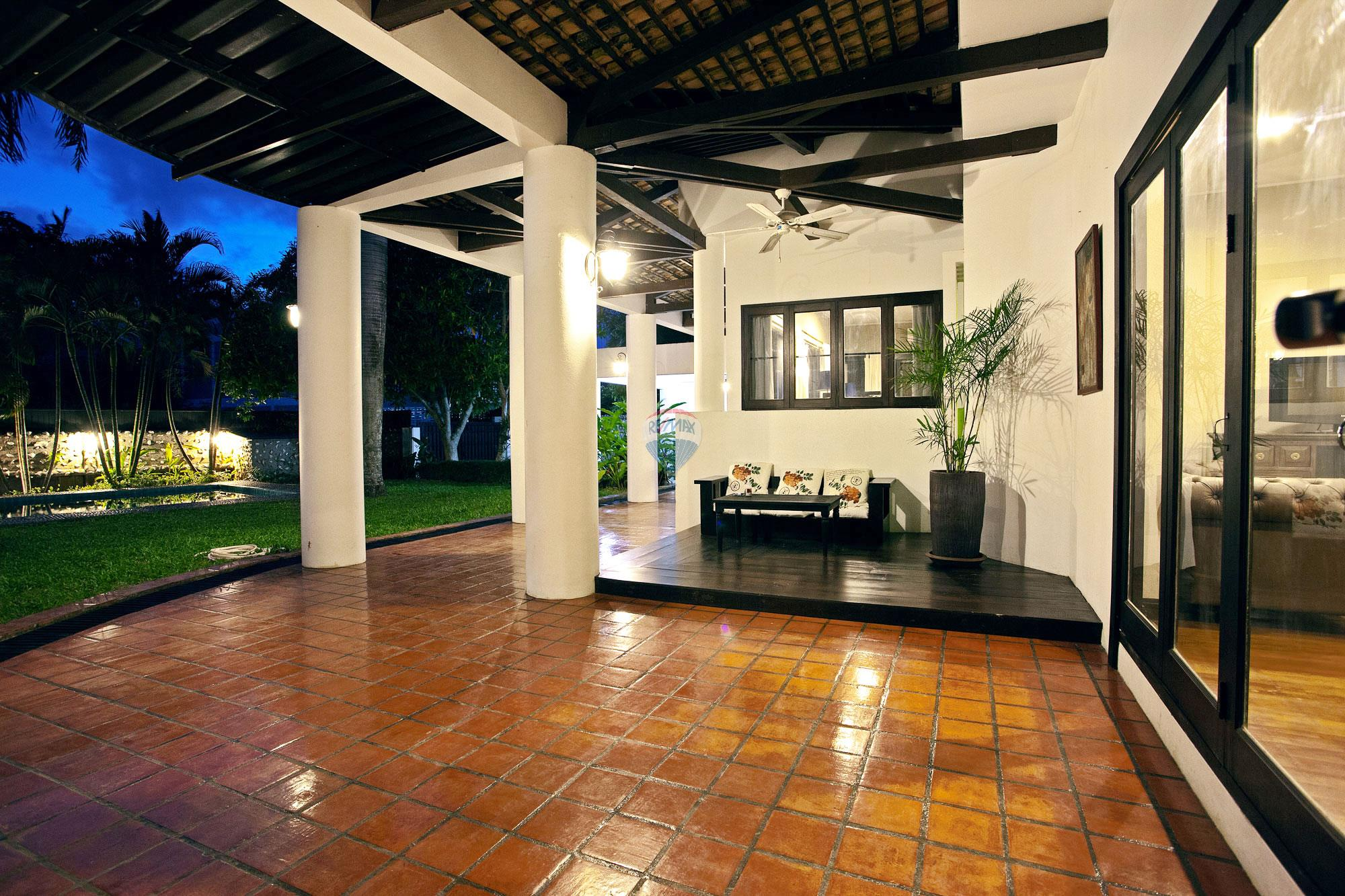 RE/MAX Top Properties Agency's Luxury Single house with private pool in Makham Bay-Chalong 4