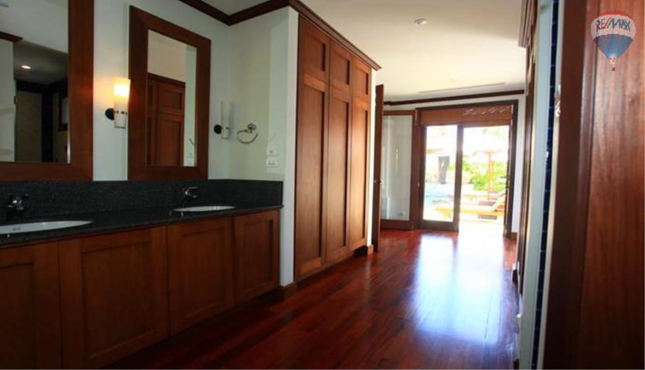 RE/MAX Top Properties Agency's 4 Bedrooms Private Pool villa In Bangtao 11