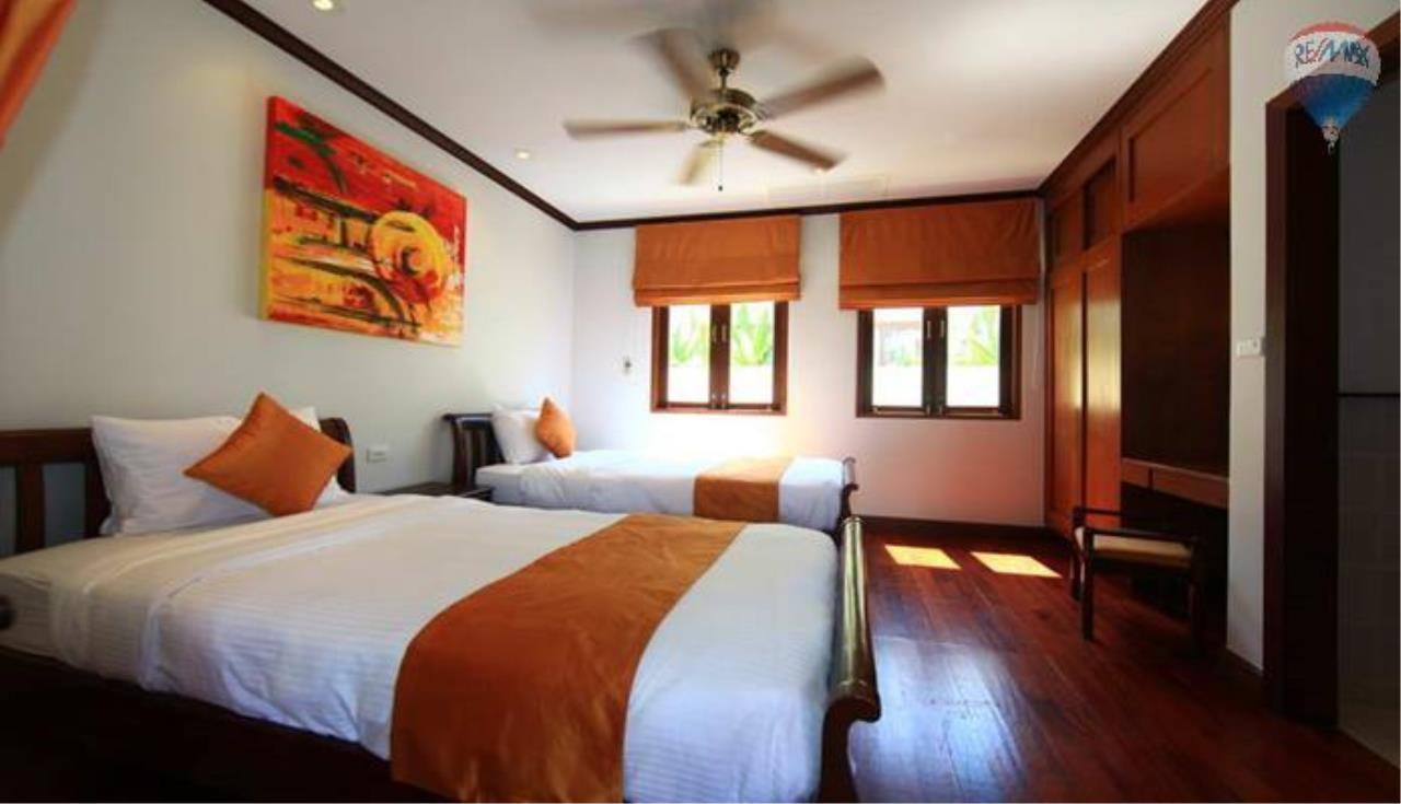 RE/MAX Top Properties Agency's 4 Bedrooms Private Pool villa In Bangtao 12