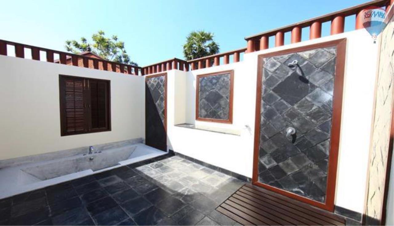 RE/MAX Top Properties Agency's 4 Bedrooms Private Pool villa In Bangtao 15