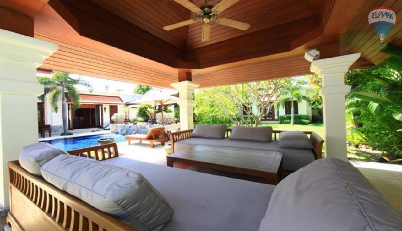 RE/MAX Top Properties Agency's 4 Bedrooms Private Pool villa In Bangtao 5