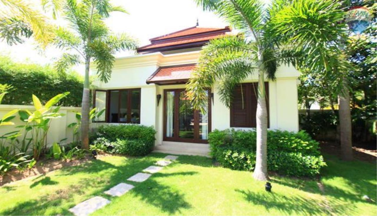 RE/MAX Top Properties Agency's 4 Bedrooms Private Pool villa In Bangtao 8