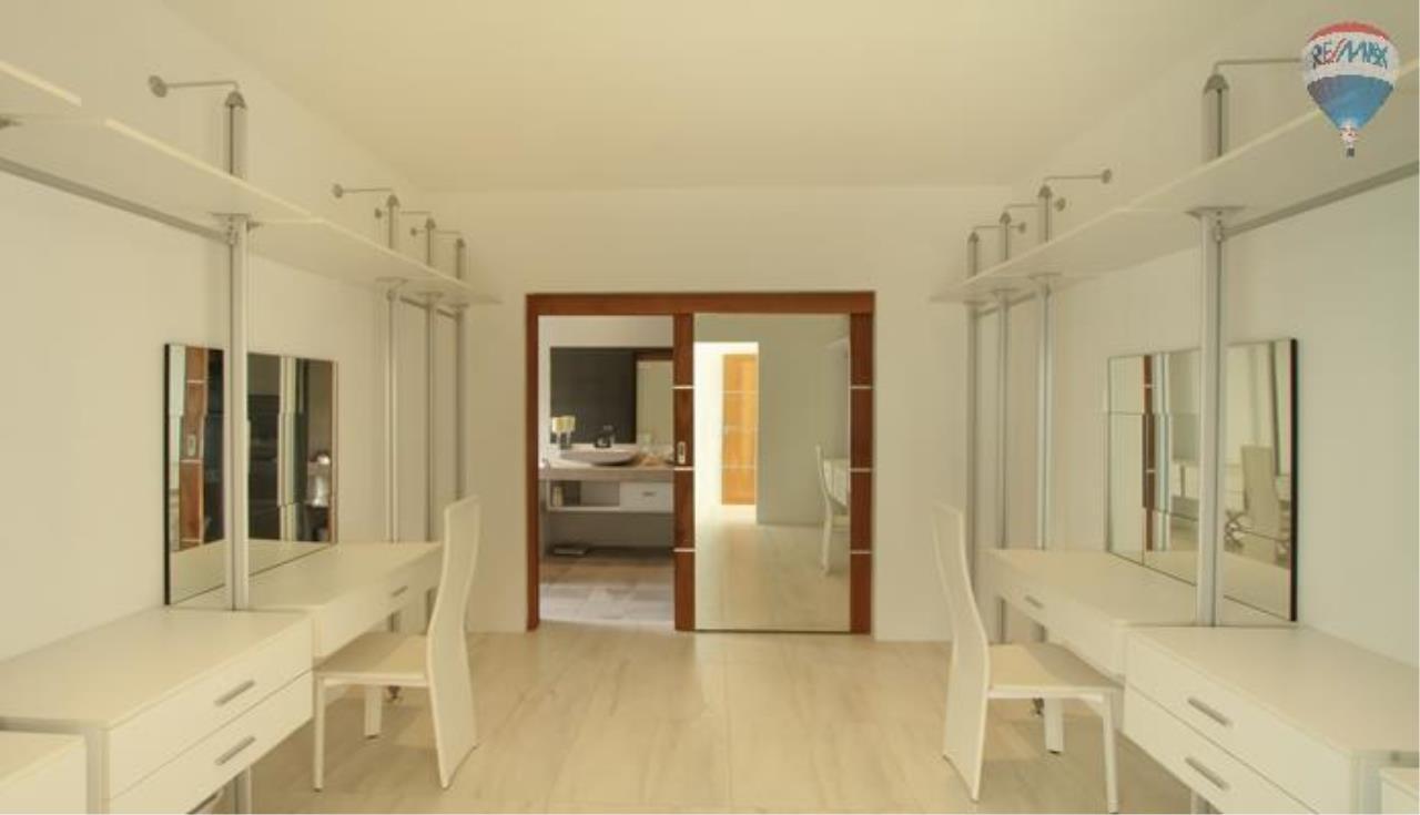 RE/MAX Top Properties Agency's 9 Bedrooms Villa with Sea View in Bangtao 2