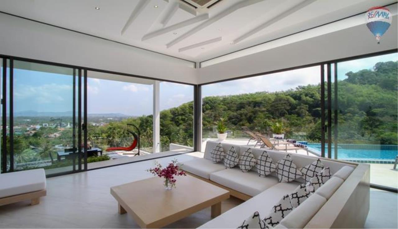 RE/MAX Top Properties Agency's 9 Bedrooms Villa with Sea View in Bangtao 4