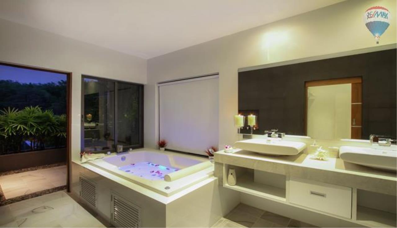 RE/MAX Top Properties Agency's 9 Bedrooms Villa with Sea View in Bangtao 5