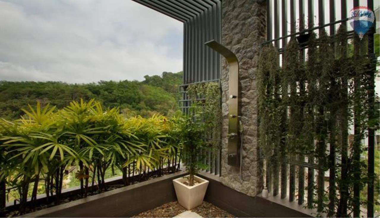RE/MAX Top Properties Agency's 9 Bedrooms Villa with Sea View in Bangtao 7