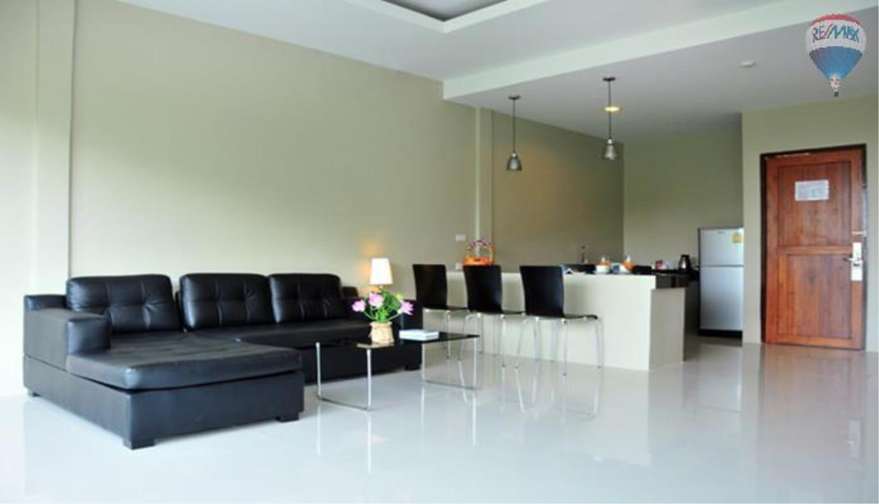 RE/MAX Top Properties Agency's 2 Bedroom penthouse with a sea view In Surin 5