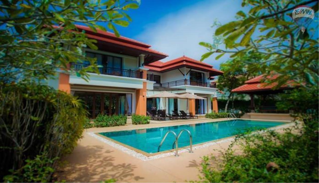 RE/MAX Top Properties Agency's Four Bedrooms Villa In Laguna 1