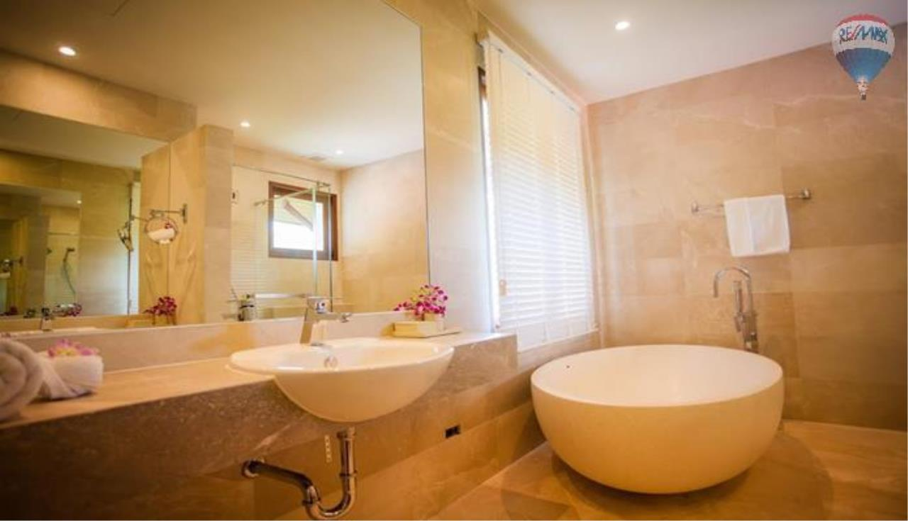 RE/MAX Top Properties Agency's Four Bedrooms Villa In Laguna 12