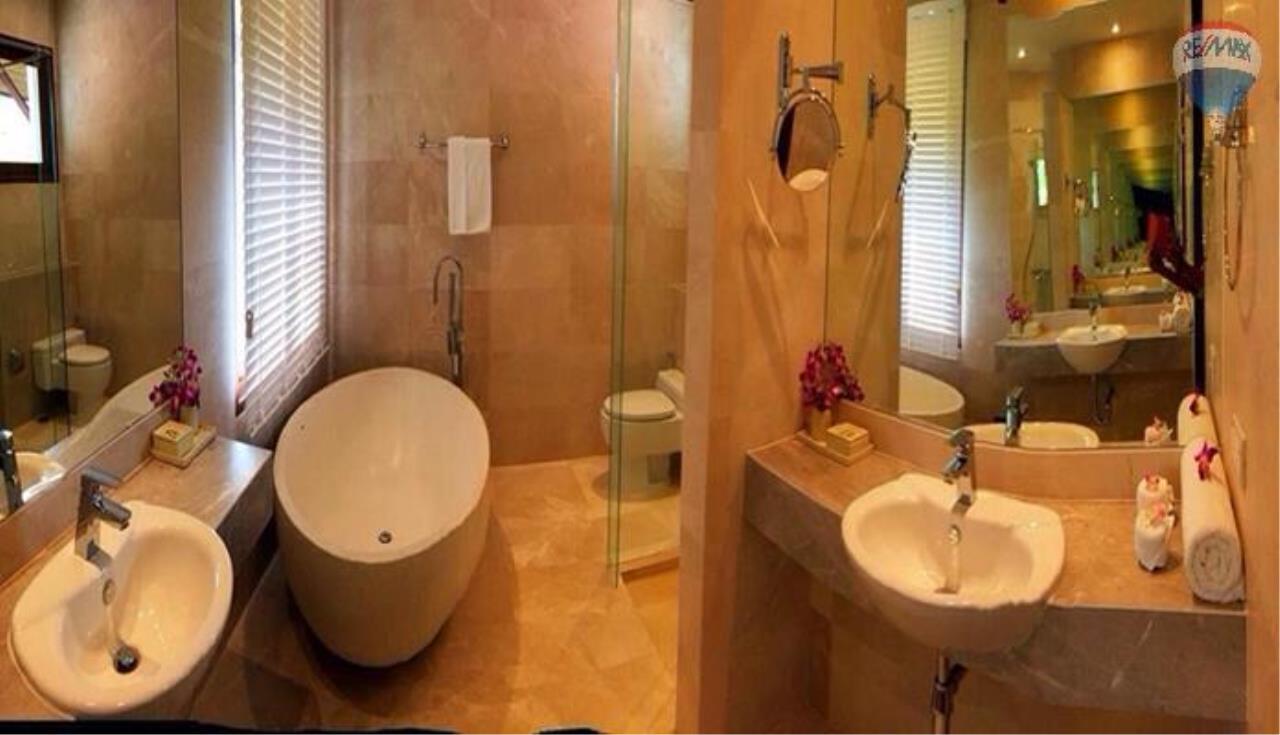 RE/MAX Top Properties Agency's Four Bedrooms Villa In Laguna 6