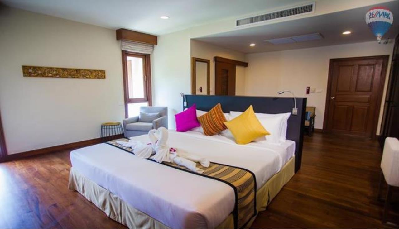 RE/MAX Top Properties Agency's Four Bedrooms Villa In Laguna 7