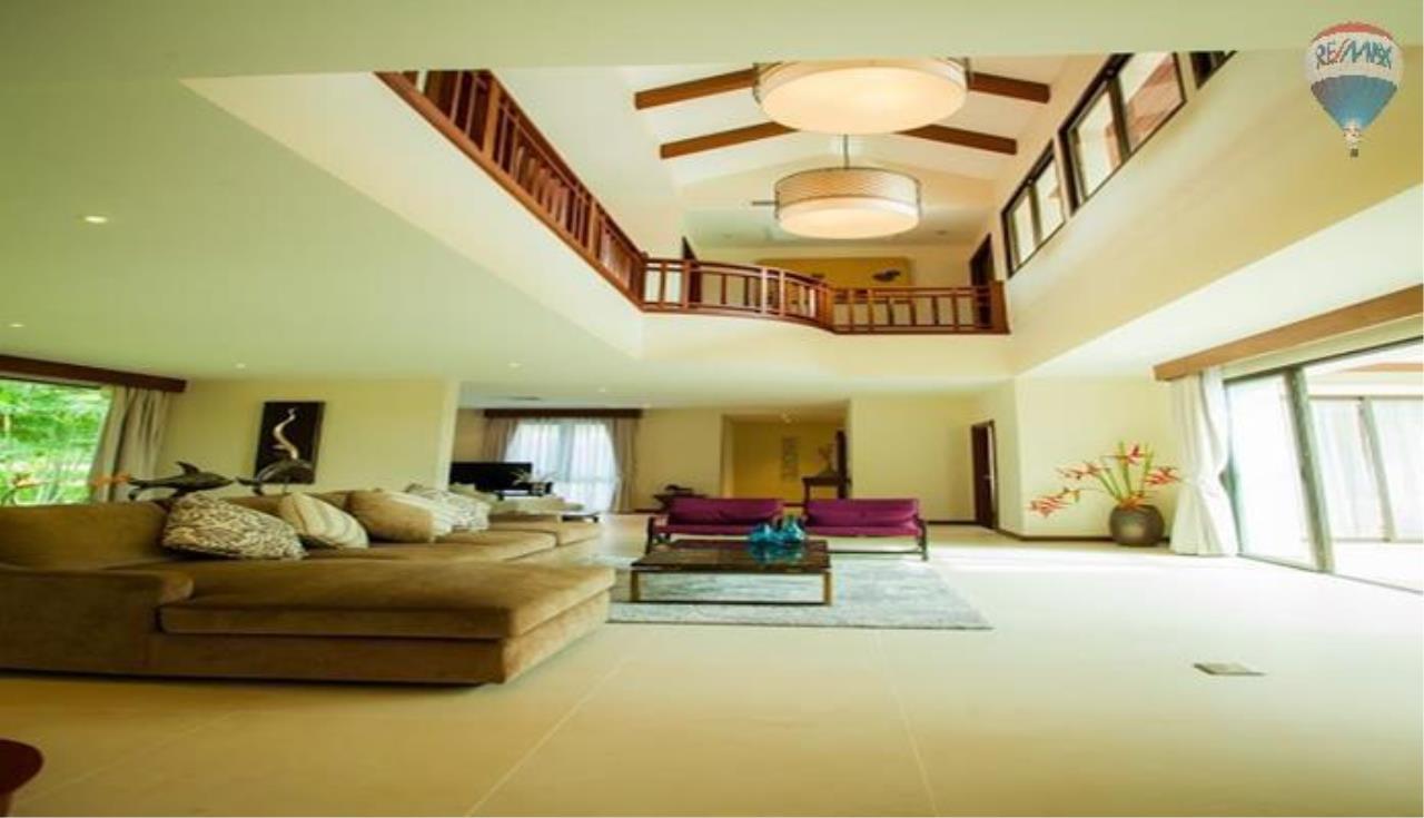 RE/MAX Top Properties Agency's Four Bedrooms Villa In Laguna 9