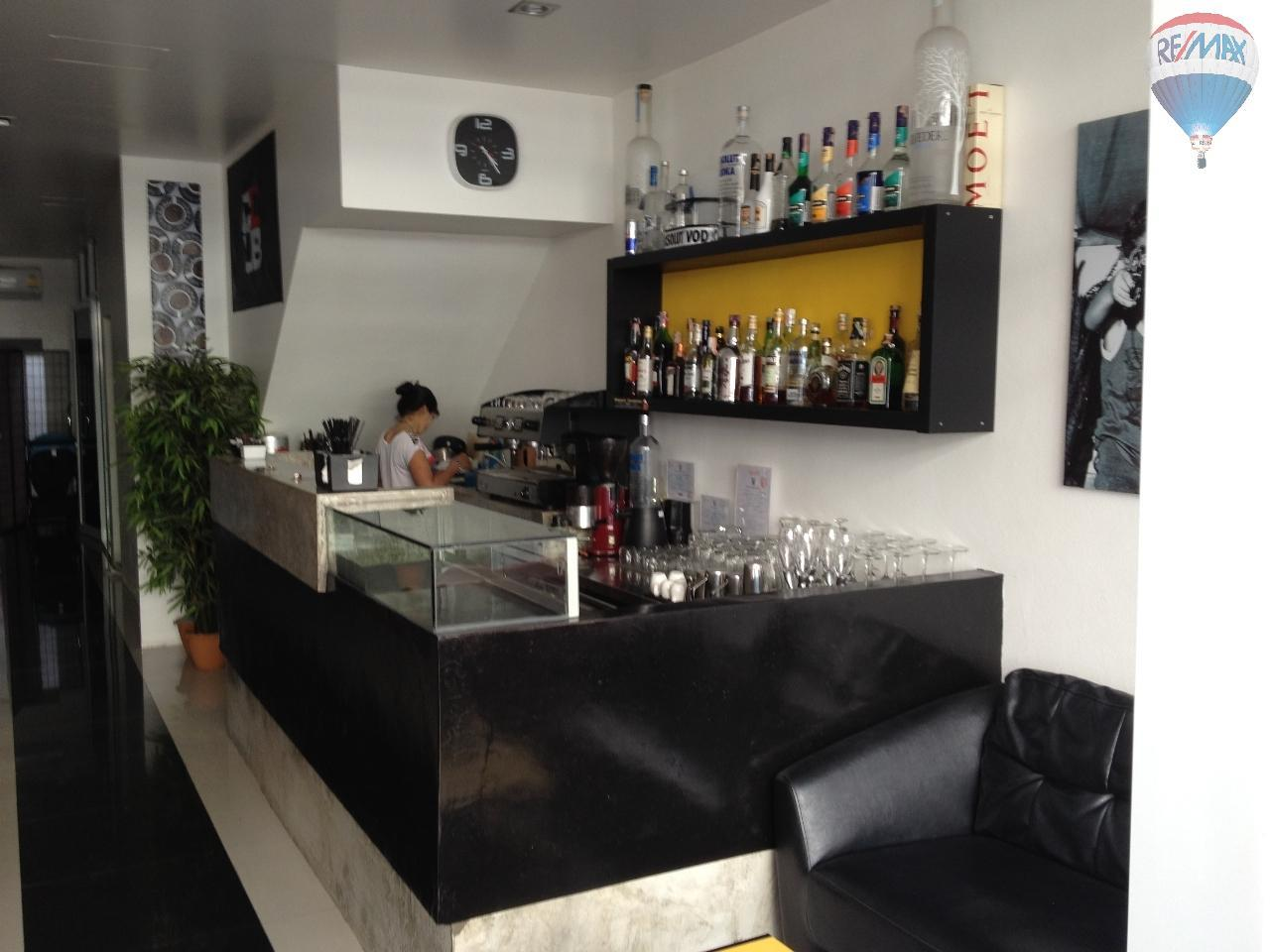 RE/MAX Top Properties Agency's Guest House with Bar Lounge 11