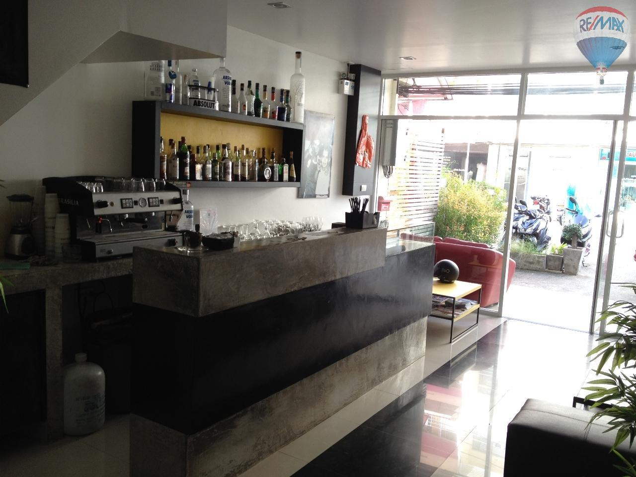 RE/MAX Top Properties Agency's Guest House with Bar Lounge 8
