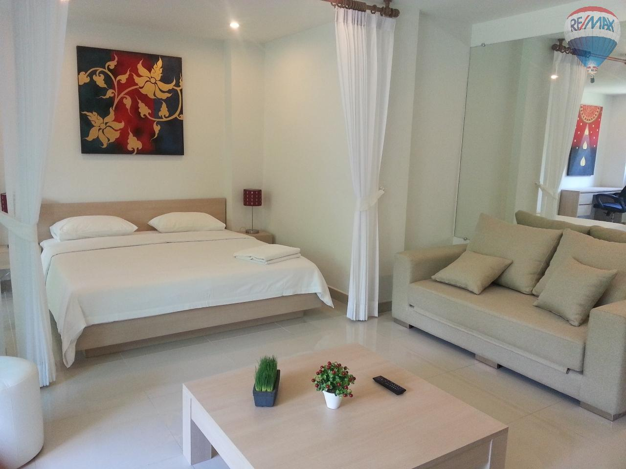 RE/MAX Top Properties Agency's Apartment T1 at 300m from the beach on Surin Beach  1