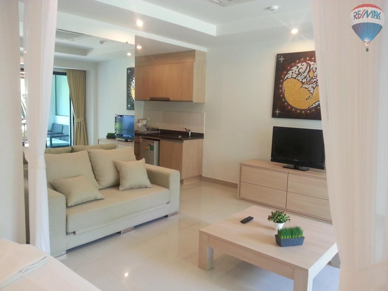 RE/MAX Top Properties Agency's Apartment T1 at 300m from the beach on Surin Beach  15