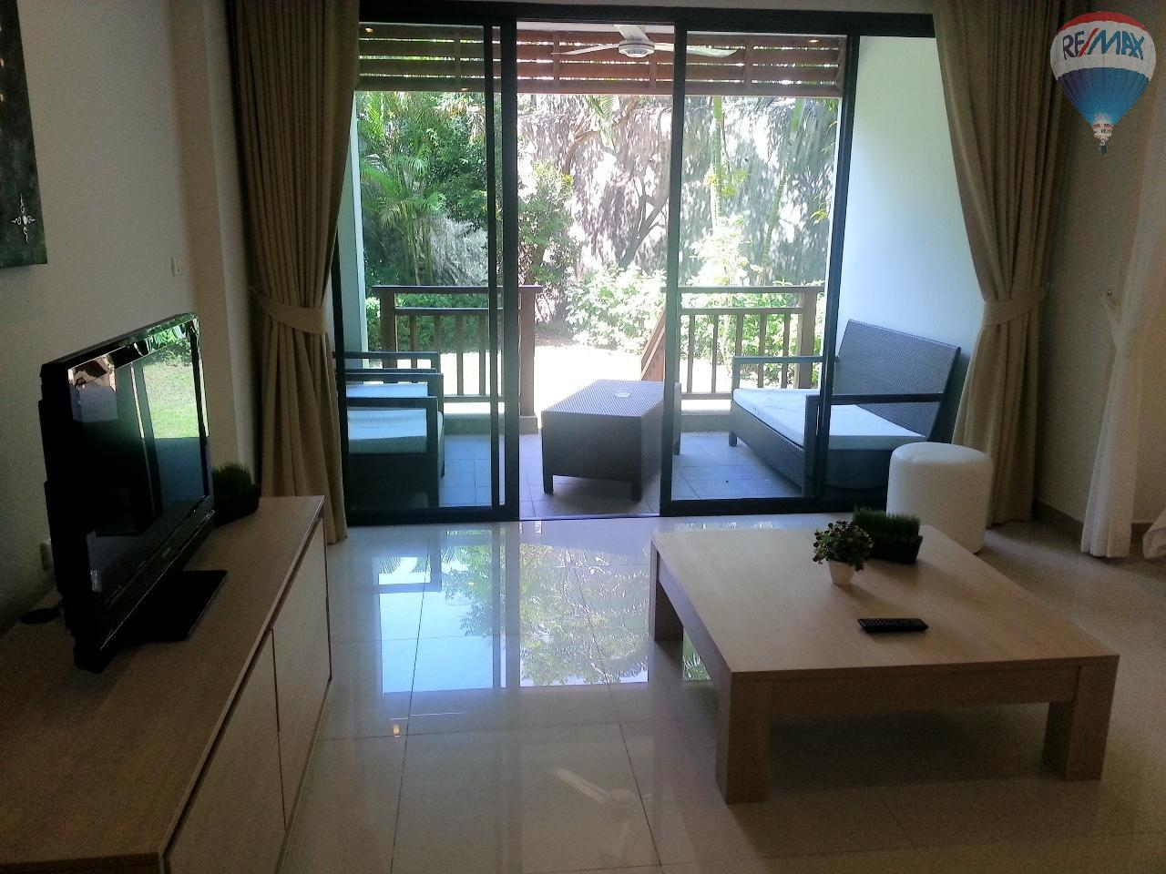 RE/MAX Top Properties Agency's Apartment T1 at 300m from the beach on Surin Beach  2