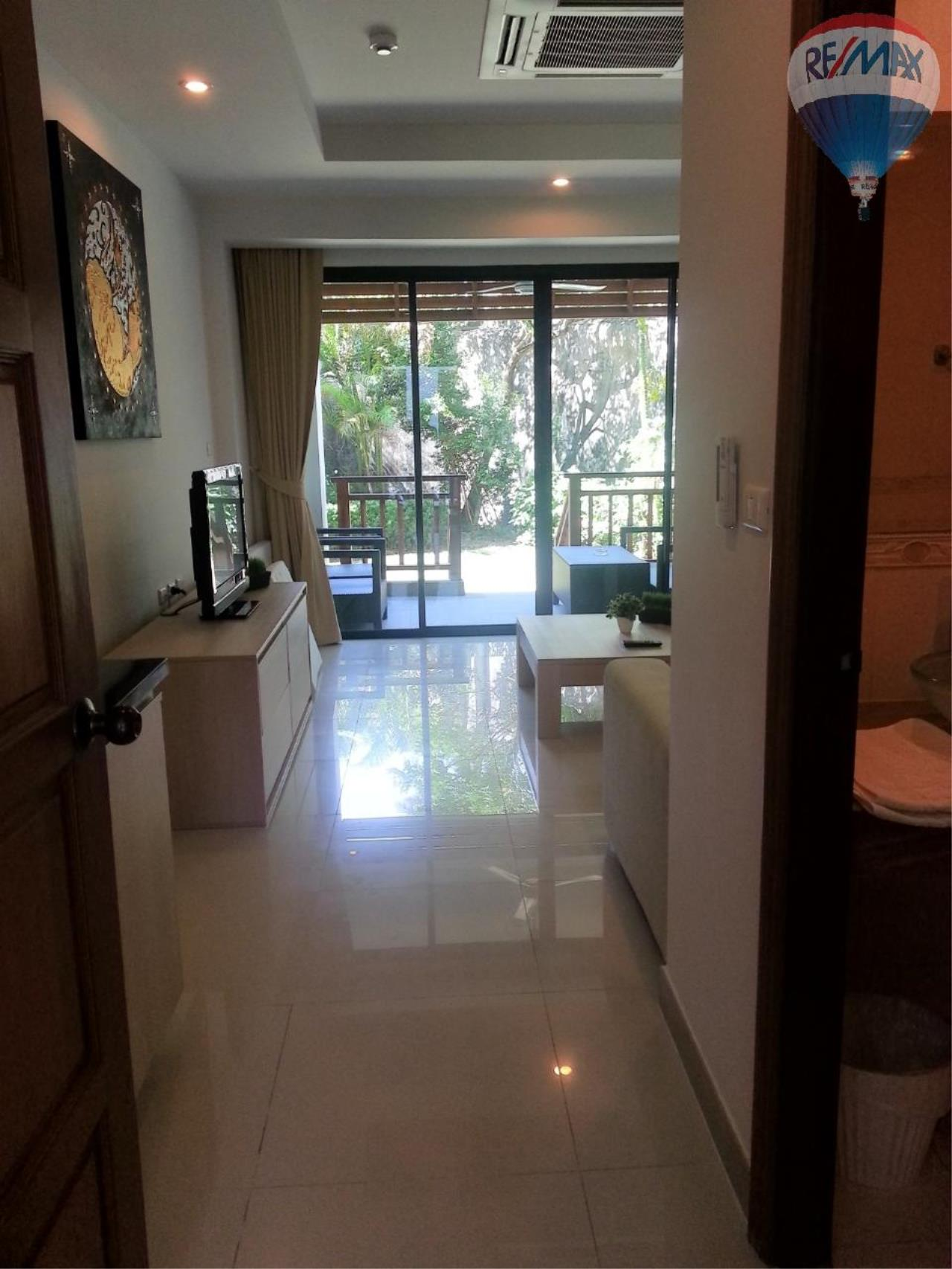 RE/MAX Top Properties Agency's Apartment T1 at 300m from the beach on Surin Beach  4