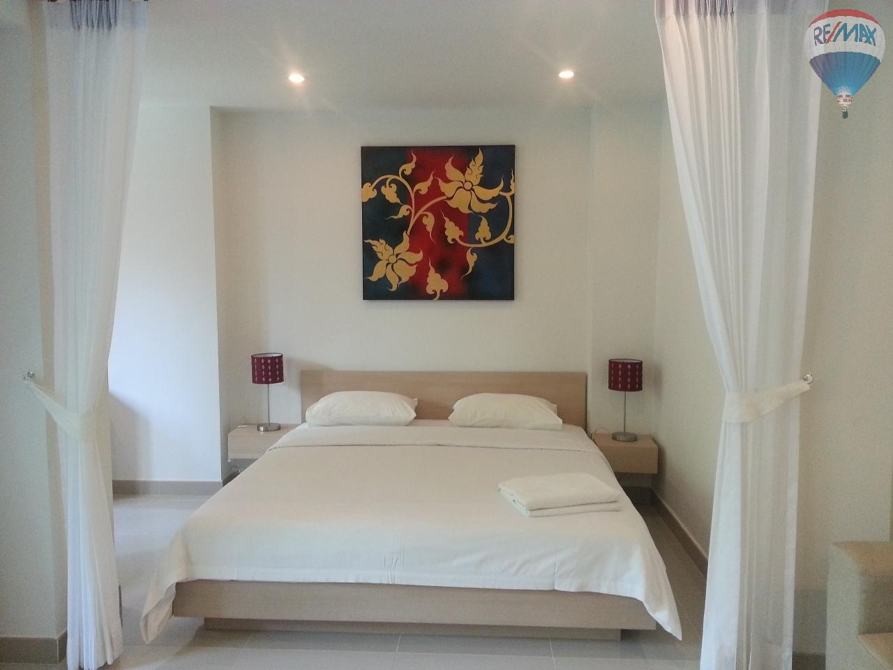 RE/MAX Top Properties Agency's Apartment T1 at 300m from the beach on Surin Beach  6