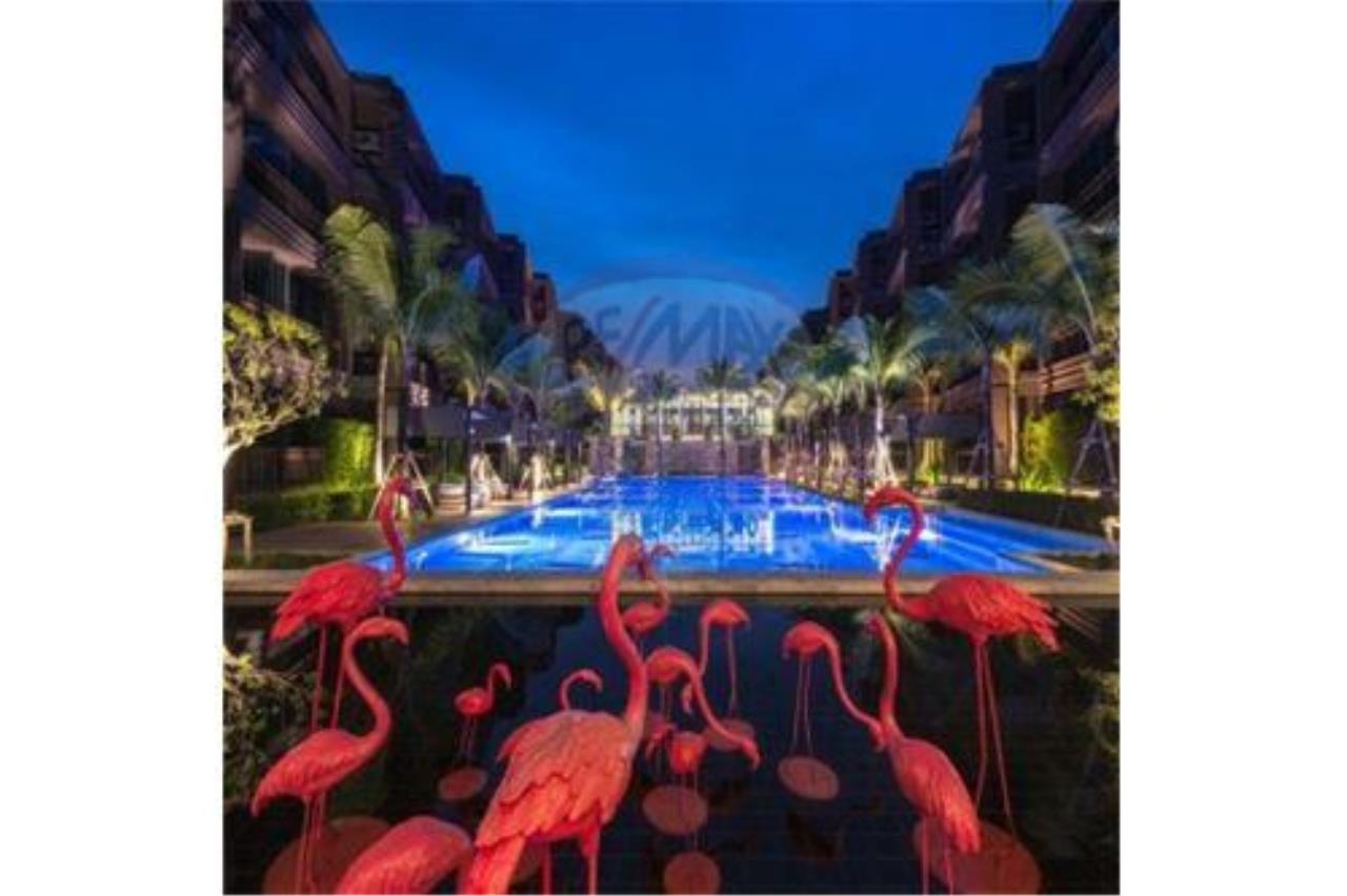 RE/MAX Top Properties Agency's PHUKET,NAI HARN BEACH,CONDO 2 BEDROOMS,FOR SALE 1