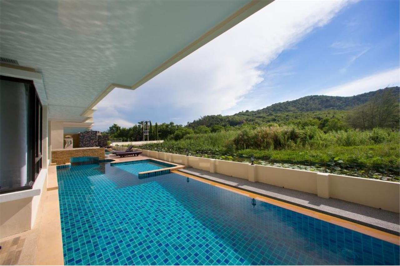 RE/MAX Top Properties Agency's PHUKET,NAI HARN BEACH,CONDO 2 BEDROOMS,FOR SALE 3
