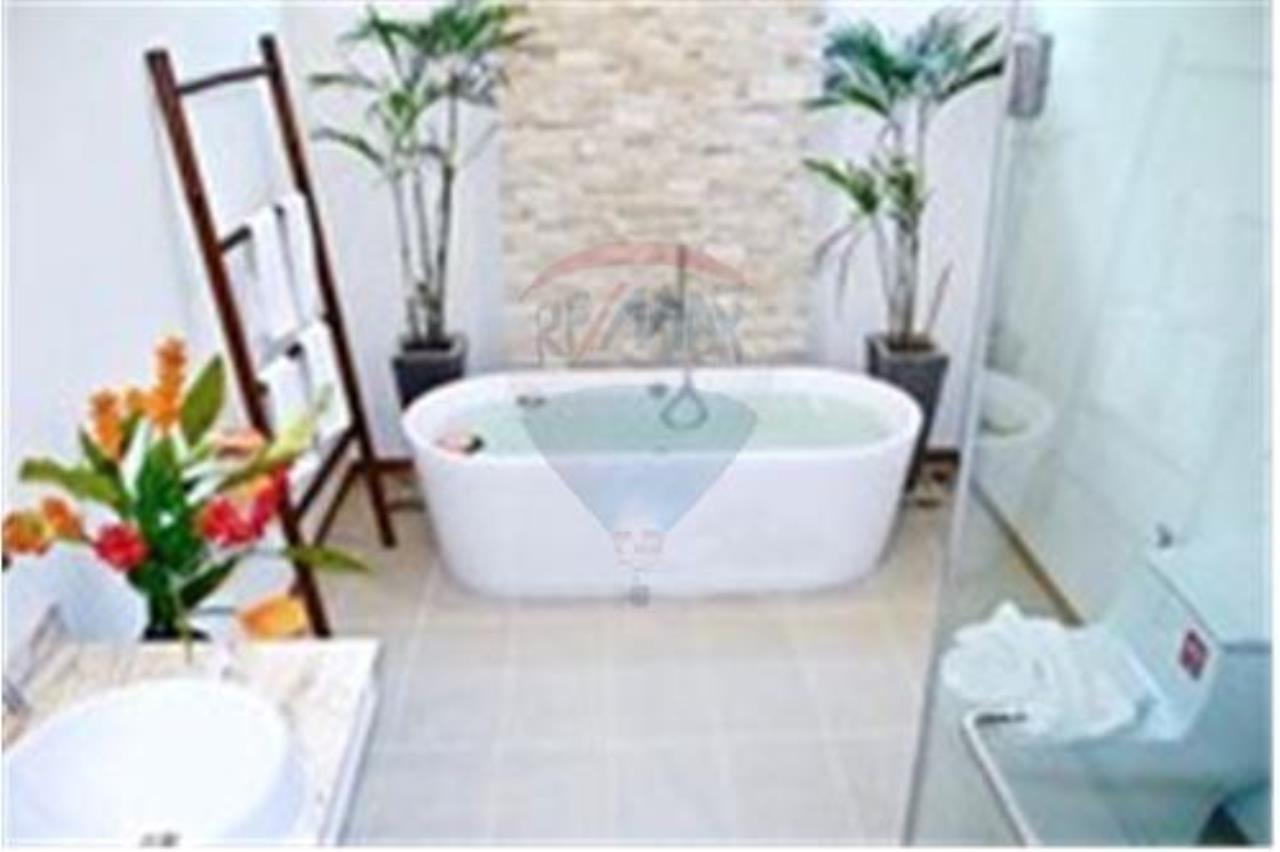 RE/MAX Top Properties Agency's PHUKET,RAWAI BEACH,POOL VILLA 2 BEDROOMS,FOR SALE 23