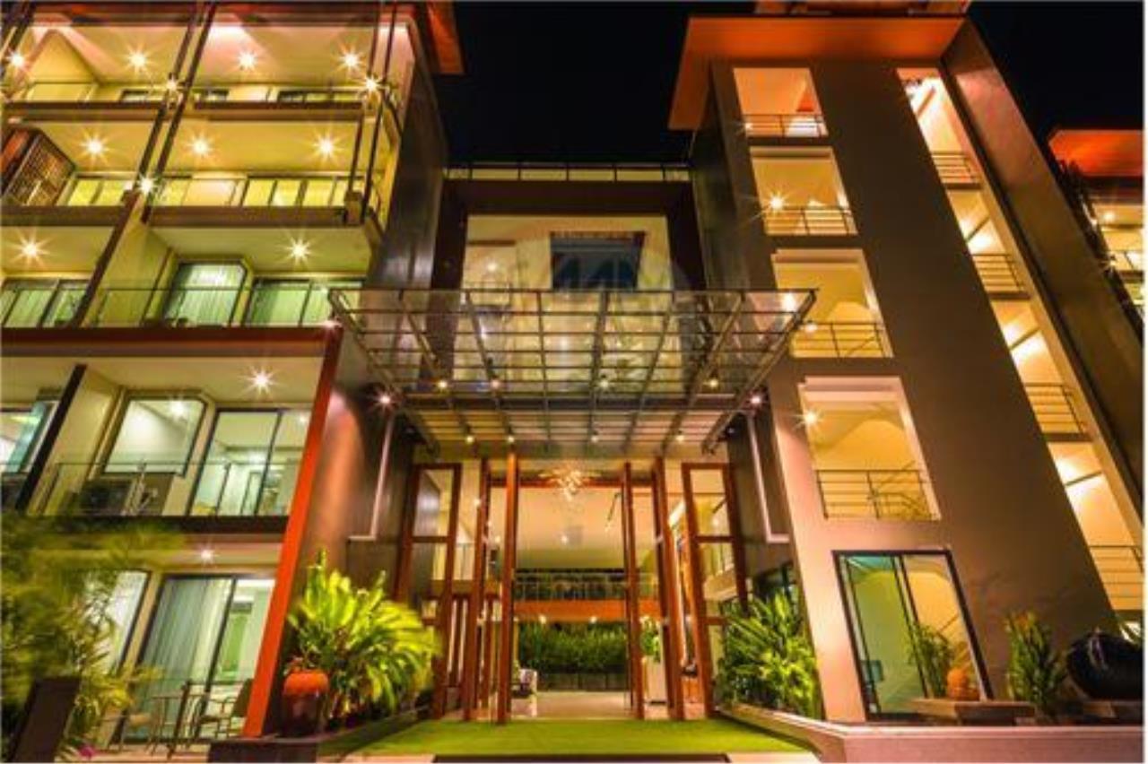 RE/MAX Top Properties Agency's PHUKET,RAWAI BEACH,CONDO 2 BEDROOMS,FOR SALE 1