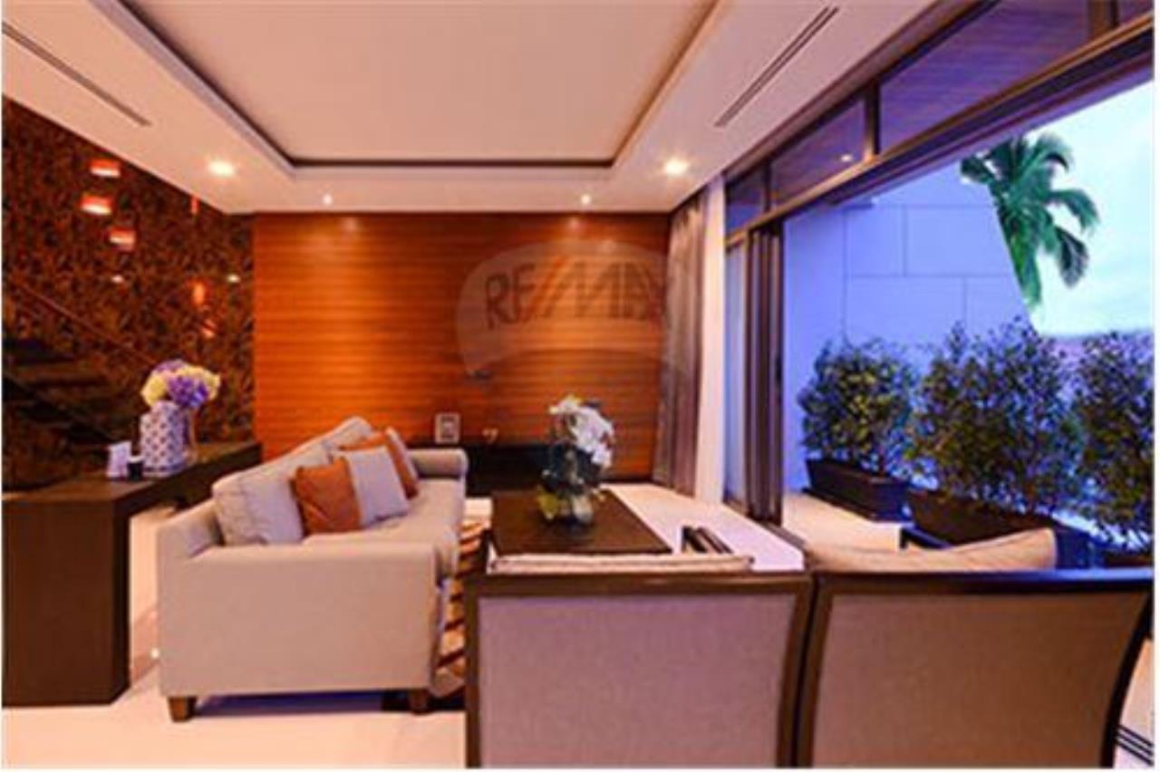 RE/MAX Top Properties Agency's PHUKET,RAWAI BEACH,POOL VILLA 3 BEDROOMS,FOR SALE 24