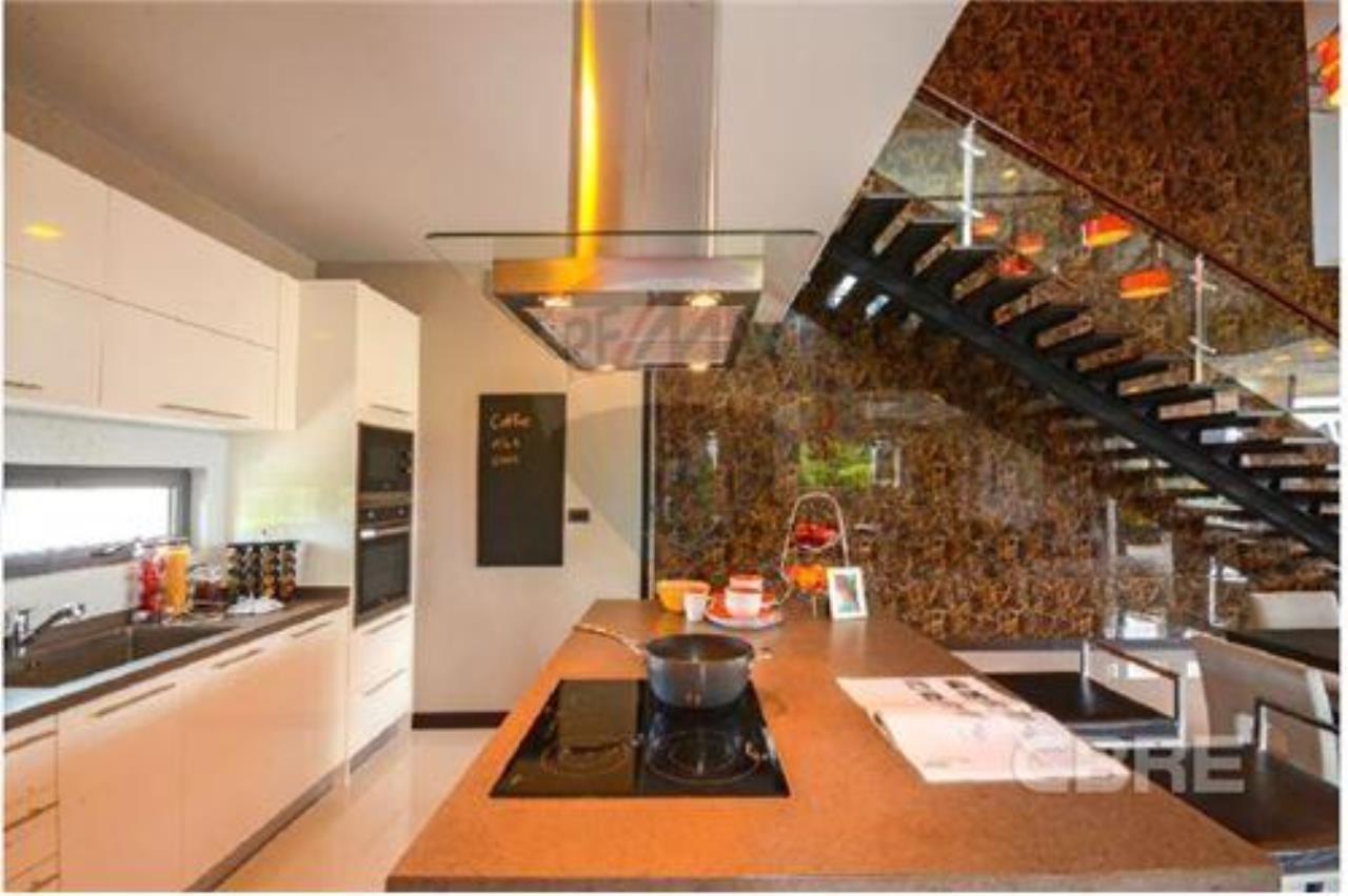RE/MAX Top Properties Agency's PHUKET,RAWAI BEACH,POOL VILLA 3 BEDROOMS,FOR SALE 25