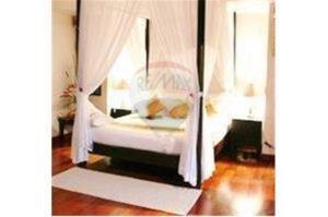 RE/MAX Top Properties Agency's PHUKET,BANGTAO,POOL VILLA 4 BEDROOMS,FOR SALE 5