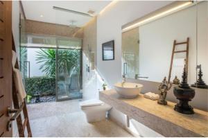 RE/MAX Top Properties Agency's PHUKET,BANGTAO,POOL VILLA 4 BEDROOMS,FOR SALE 12