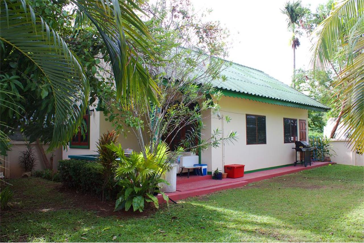 RE/MAX Top Properties Agency's PHUKET,RAWAI,800SQ.M LAND WITH 2BUNGALOWS,FOR SALE 4