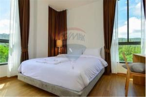 RE/MAX Top Properties Agency's PHUKET,SURIN BEACH,CONDO 1 BEDROOM,FOR SALE 4