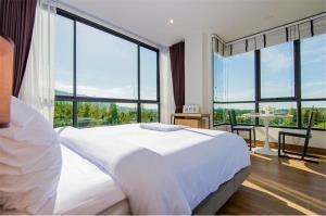 RE/MAX Top Properties Agency's PHUKET,SURIN BEACH,CONDO 1 BEDROOM,FOR SALE 12