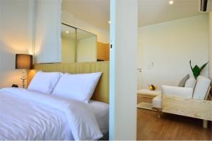RE/MAX Top Properties Agency's PHUKET,SURIN BEACH,CONDO 1 BEDROOM,FOR SALE 7