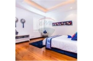 RE/MAX Top Properties Agency's PHUKET,BANG TAO,POOL VILLA 3 BEDROOMS,FOR SALE 25