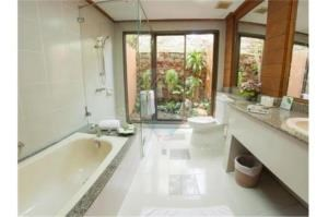 RE/MAX Top Properties Agency's PHUKET,CHERNG THALE,POOL VILLA 2 BEDROOMS,FOR SALE 31