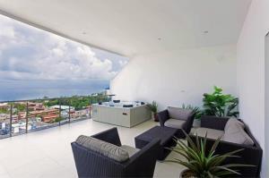 RE/MAX Top Properties Agency's PHUKET,KARON BEACH,CONDO 3 BEDROOMS,FOR SALE 24