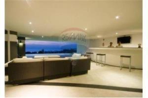 RE/MAX Top Properties Agency's PHUKET,KARON BEACH,CONDO 3 BEDROOMS,FOR SALE 2